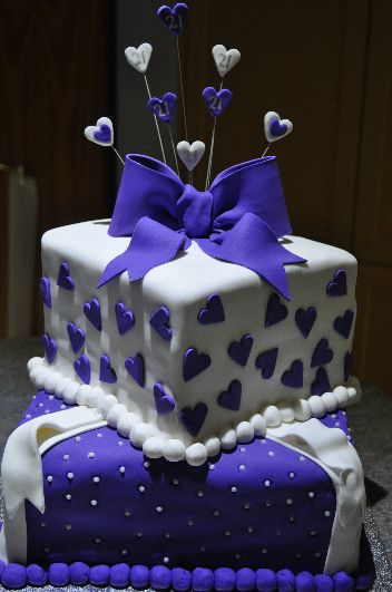Birthday Cakes for men & women. https://www.profiletree.com/geraldine-checker #cake, #decoratedcake, #wedding, #engagement, #party, yummy, #food, #bake, #creative, #anniversary, #graduation , #flavor, #chocolate, #vanilla, #strawberry,