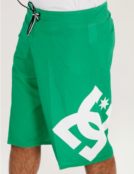 DC Lanai Ess 4 Board Short Green    miesten koko s menee ja käytetytkin käy.