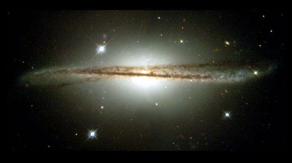 ESO 510-G13 ovvero una galassia dalla inusuale struttura a disco;