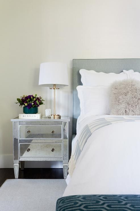 Best 25 Mirrored Nightstand Ideas On Pinterest Mirror Furniture Mirrored Furniture And Bedrooms
