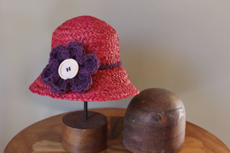 Ladies raffia hat, Daisy Cloche by RusticRoseByKaren on Etsy https://www.etsy.com/au/listing/468802269/ladies-raffia-hat-daisy-cloche