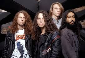 "Soundgarden. Con la canción ""Black Hole Sun"""