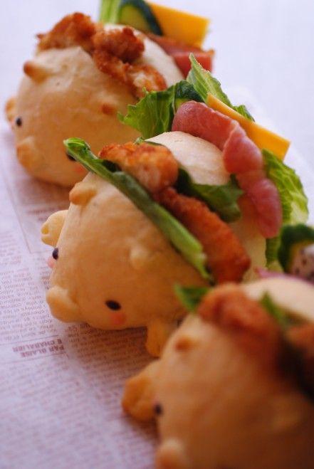日本人のごはん/お弁当 Japanese meals/Bread お肉を挟んだブタさんパン♫(^ω^) pig meat sandwich す凄い技術ですね…