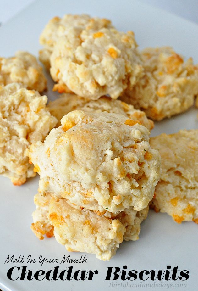 Melt In Your Mouth Cheddar Biscuits-  these biscuits are amazing! And simple to make.  | Thirty Handmade Days: Chedder Biscuits, Garlic Cheddar Biscuits, Cheddar Bisquit, Mouths Cheddar, Breads, Biscuits Recipes, Thirty Handmade, Cheesy Biscuits, Cheddarbiscuit