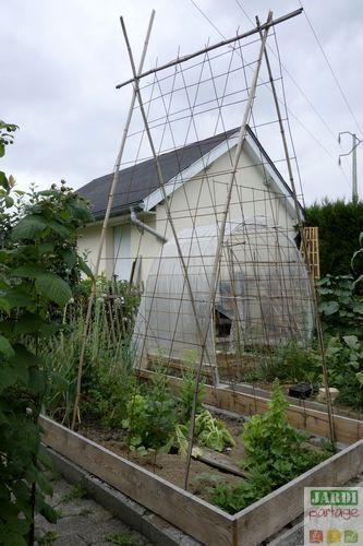 best 5219 le jardin se partage images on pinterest gardening gardening plants and. Black Bedroom Furniture Sets. Home Design Ideas