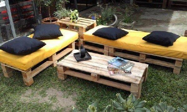 Through This Wooden Pallet Garden Furniture Making Ideas Here We Are Show You A Couches Set Diyfurnitureid Meubles De Patio Mobilier De Salon Idees De Meubles