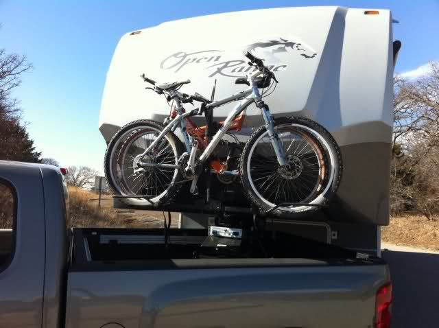 Fifth Wheel Bike Carrier Bumpers : Receiver hitch welded to the top of king pin hold a