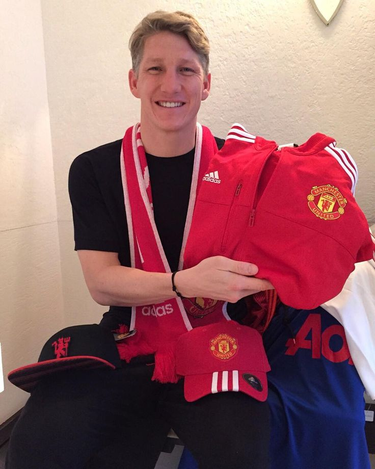Bastian Schweinsteiger makes generous offer to Manchester United supporters on Instagram