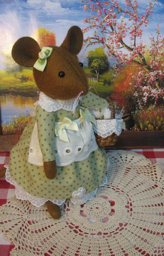 Daffodil Sweetest little mouse by dollsandbunnies on Etsy