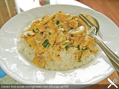 Philadelphia-Geschnetzeltes ~  Frische Pilze verwenden, schmeckt viel besser. Fleisch anbraten, aus der Pfanne nehmen, im Fett die Pilze anbraten, aus der Pfanne nehmen und wie im Rezept fortfahren.