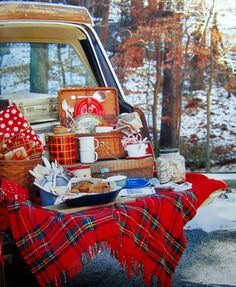 Christmas Tree Tailgate and Picnic Southern Living Christmas All Through the South   homeiswheretheboatis.net #novelbakers #recipes