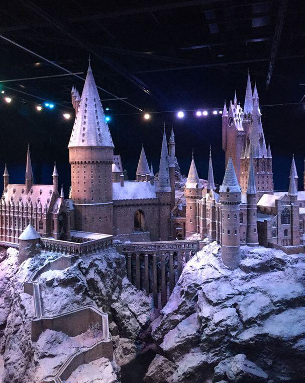 Harry Potter Le château de Poudlard sous la neige