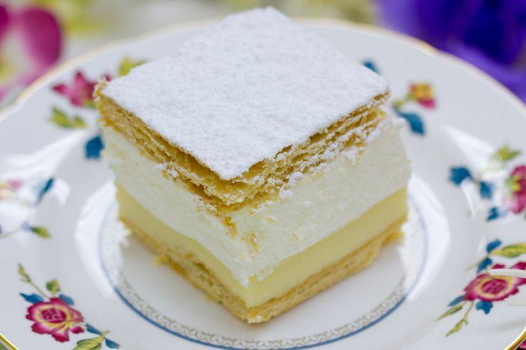 Hungarian Krémes: Delicious Desserts, Favorite Places, Napoleon, Amazing Food, Cupcakes Cookies, Favorite Foods, Beautiful Cakes, Hungarian Desserts, Hungarian Favorites