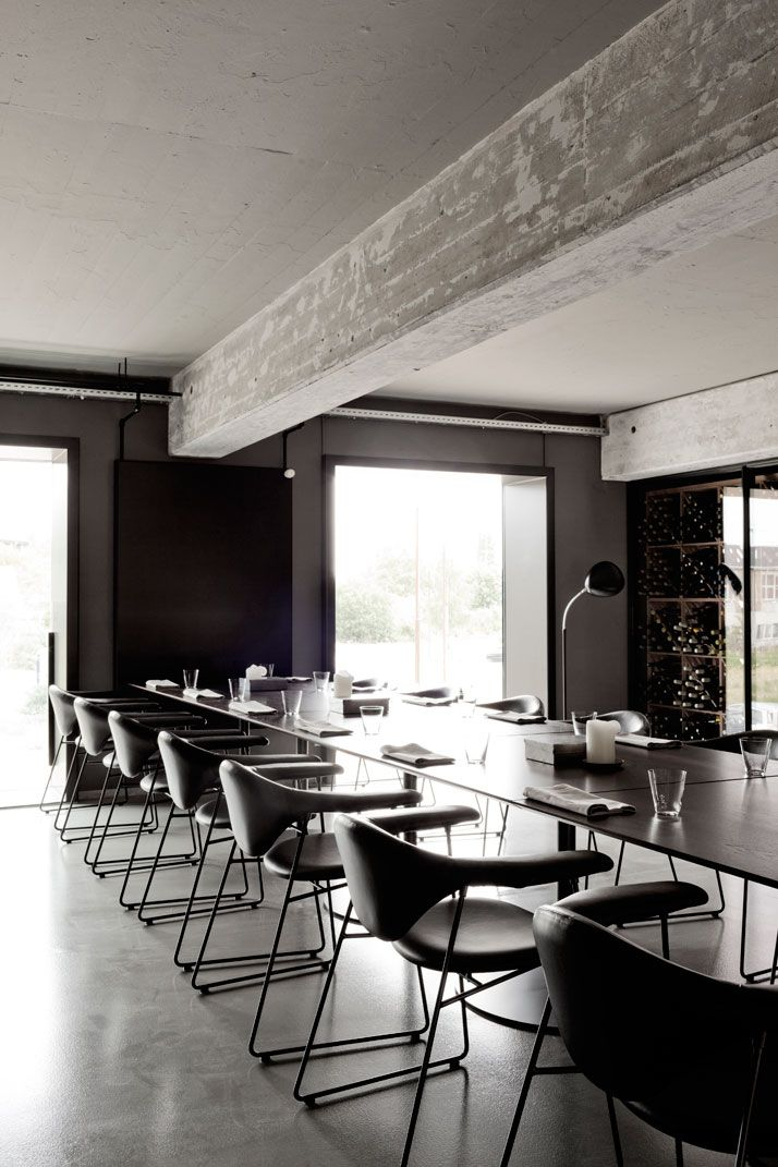 A former shipyard building is transformed into the amass - La cucineria roma ...