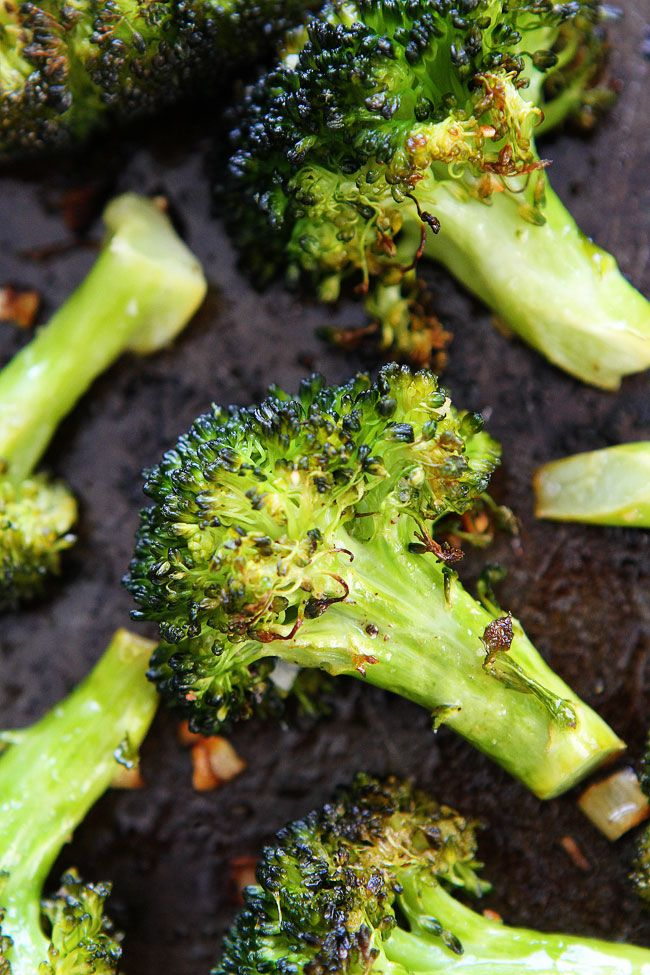 Roasted Broccoli Recipe on twopeasandtheirpod.com This easy broccoli recipe is the BEST! Even broccoli haters will gobble this up!