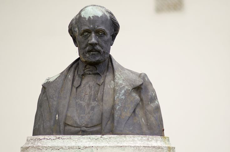 #Wesselburen Der Dichter Friedrich Hebbel wurde am 18. März 1813 in Wesselburen geboren. Mit 22 Jahren wurde er von der Schriftstellerin Amalie Schoppe nach Hamburg geholt. Die ersten Jahre waren von häufigen U...