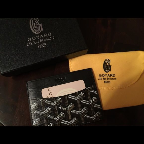 Goyard card holder Goyard Card Holder brand new never used. Was a gift have no use for it. Goyard Other