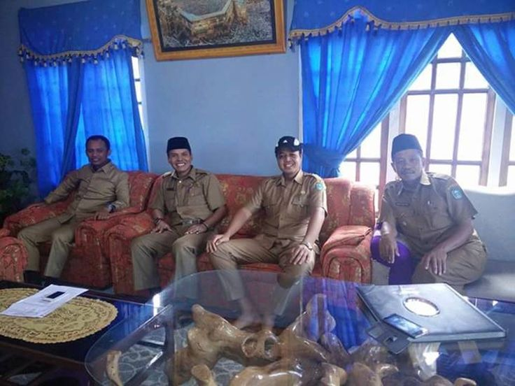 Mendapat Laporan Masyarakat Adi Purnomo Bersama Wakil Bupati Kerinci Datangi Desa Sungai Kering  Kayu Aro Barat
