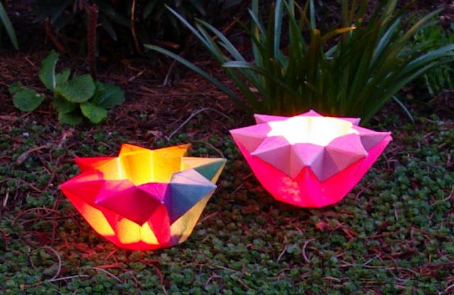 Origami paper star lantern tutorial by Passengers on a Little Spaceship.