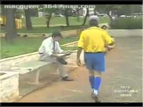 (8) Assassino na Loja | Pegadinha | Programa Silvio Santos - YouTube