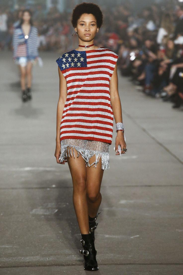 tommyland-show-tommy-hilfiger-runway-amerique-drapeau