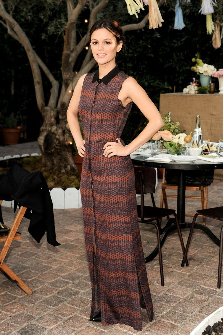 Pin for Later: These 5-Foot-3-Inch and Under Stars Don't Let Height Stand in the Way of Fashion Maxi Dresses Chalk this one up to great posture, but Rachel Bilson proved no dress is off limits, no matter what your height.