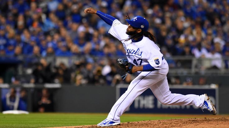 Cueto's Complete Domination: World Series Game 2 In Numbers And Images : The Two-Way : NPR