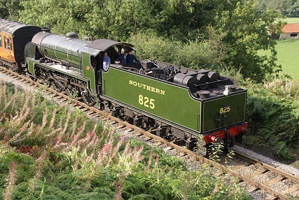 Southern Railway class S15 4-6-0 steam locomotive 825