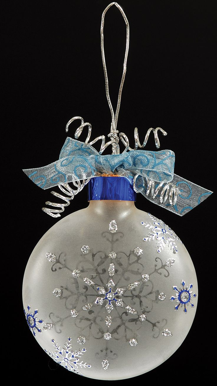 Christmas snowflake ornaments - Etched Snowflake Ornament I Also Love Doing These With Alcohol Inks I Confess