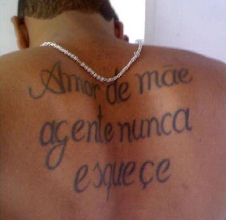 Veja tatuagens com erros ortográficos