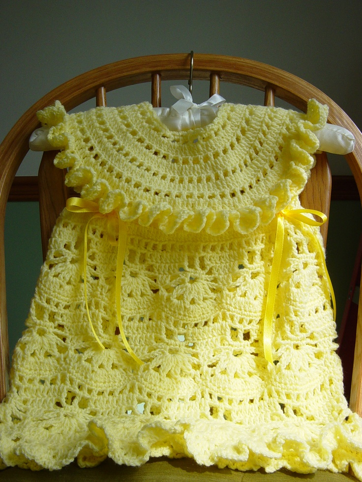 Pretty crocheted yellow dress for your little girl!