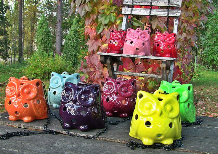 Ceramic owls are suitable for inside and outside uses. Many different colors are available. For more information, please contact us by E-mail: parttia@parttia.fi