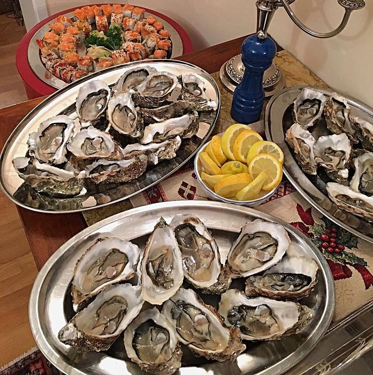 #dolcezzeitalianeroma Adoro Le Ostriche: Ho L'Impressione Di Abbracciare Il Mare Con La Bocca. -Leon Paul Fargue- Buona Domenica A Tutti I Golosi Lupi Di Mare #food #foodporn #yum #instafood #TagsForLikes #yummy #amazing #instagood #photooftheday #sweet #dinner #lunch #breakfast #fresh #tasty #foodie #delish #delicious #eating #foodpic #foodpics #eat #hungry #foodgasm #hot #foods #sunday #ostriche #fish by dolcezzeitaliane_roma