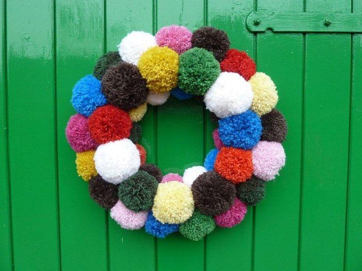 Pom pom wreath #DIYable #inspiration