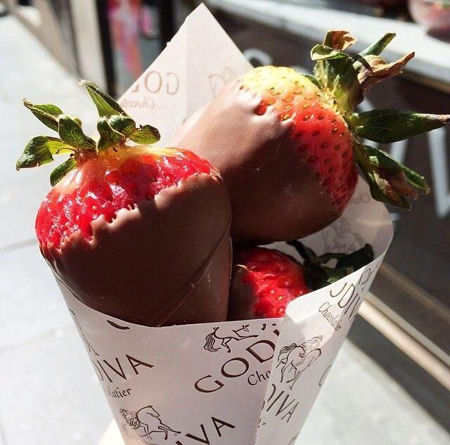 88 best godiva experiencegodiva images on pinterest for Strawberry truffles recipe uk