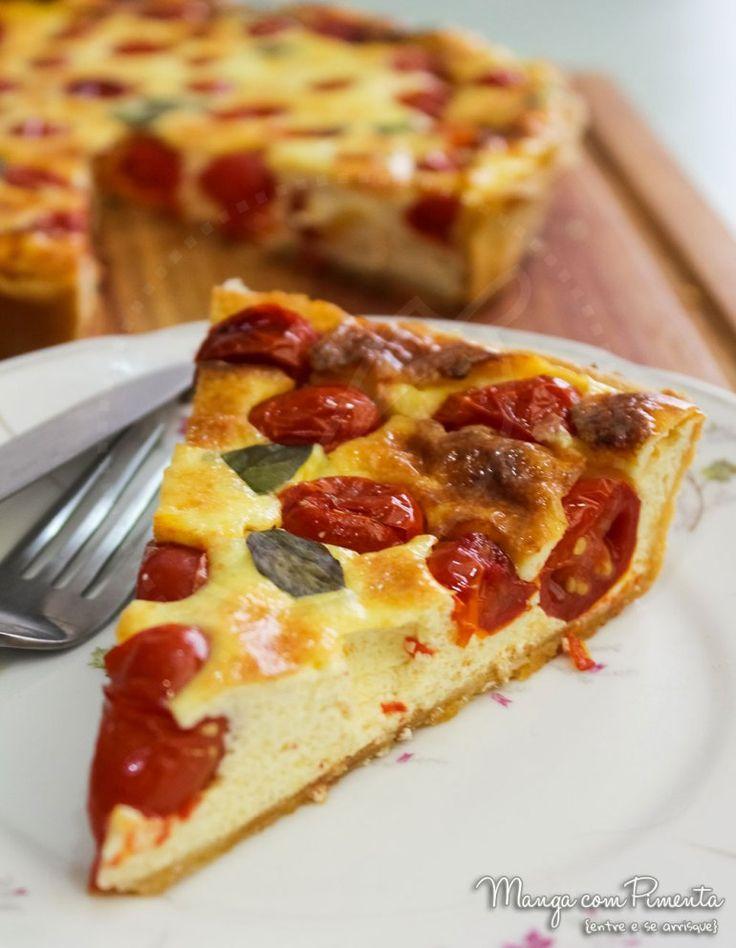 Quiche de Tomate, Parmesão e Manjericão. Para ver a receita, clique na imagem para ir ao Manga com Pimenta.