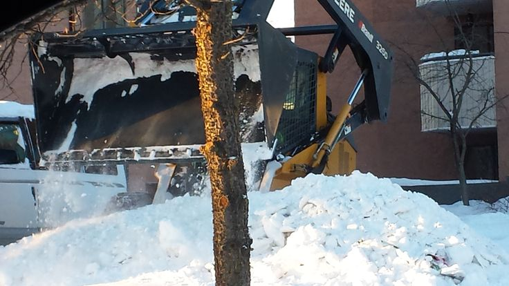 Snow Clearing Cypress Hills, Foremost. Serving all corners of Alberta and Saskatchewan. Call our 24 hour call center at +1.800.819.3052 toll-free or +1.780.800.4945 local to speak to your local rep...