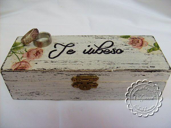 Te iubesc - cutie pentru verighete pentru o nunta ca in povesti.