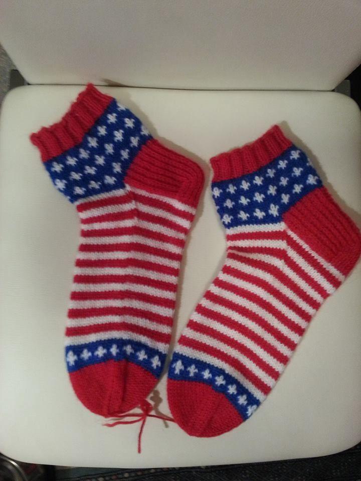 """Yarn: 7 Veljestä + Gjestal Janne. """"Amerikan lippu""""-sukat miehelle :)"""
