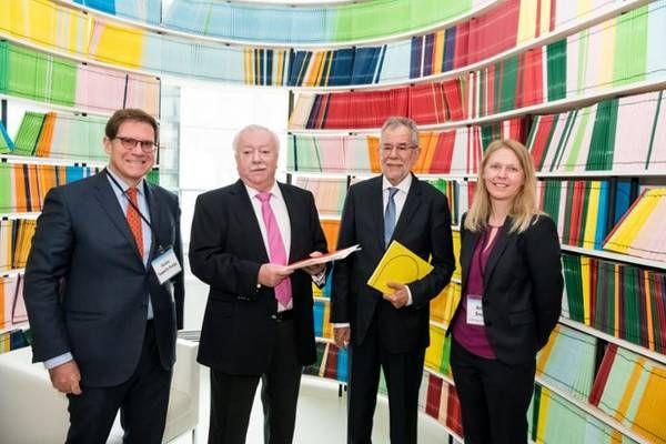 Bundespräsident Van der Bellen und Bürgermeister Häupl besuchten Molekular-ForscherInnen des CeMM