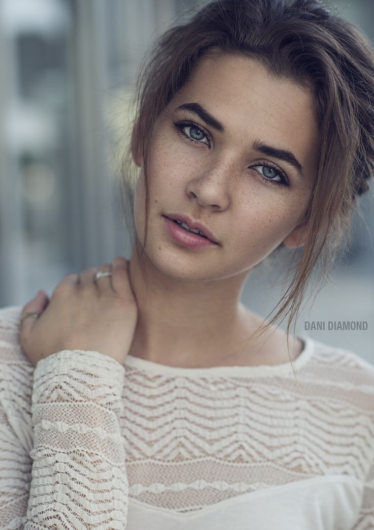 Natural light only Before/After can be found on  FACEBOOK in the comments once this picture is posted.  For one on one online workshop email info@danidiamond.com Watch the speed retouch video I made on my  YOUTUBE  Behind the scenes images on INSTAGRAM My Articles on Fstoppers worth reading