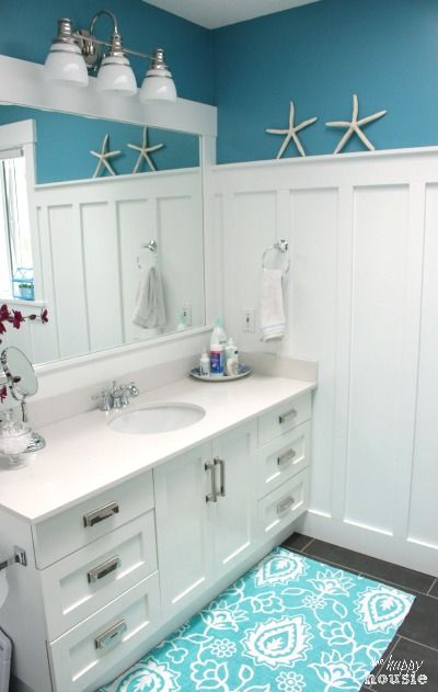 Lake Cottage Style Summer House Tour Bedrooms & Bathrooms - The Happy Housie
