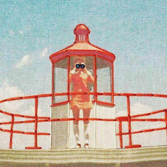 ♥Moonrise Kingdom♥  (Detalle del bordado sobre fotografía)  .  .  .  .  .  .  .  .  .  .  .  .  #embroidery #bordado #embroider #needlework #embroideryart #handembroidery #bordadoamano #wesanderson #moonrisekingdom #needlecraft #diycondmc #modernmaker #embroideryfloss #makersgonnamake #etsy #etsygifts #etsyseller #etsyshop #variopintoshop #handmade #hechoamano #hoopart #modernembroidery #diy #bastidor #faro #lighthouse #photography #fan #variopinto