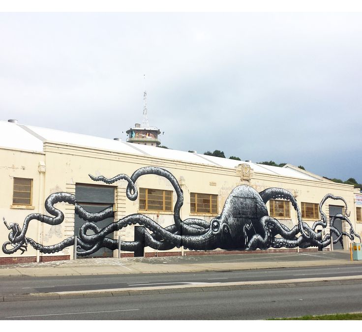 Great to see more public art works going up in Freo. The mural on the old Naval Store building just across the old bridge is by @Phlegm_art as part of #public2015 from @formwa