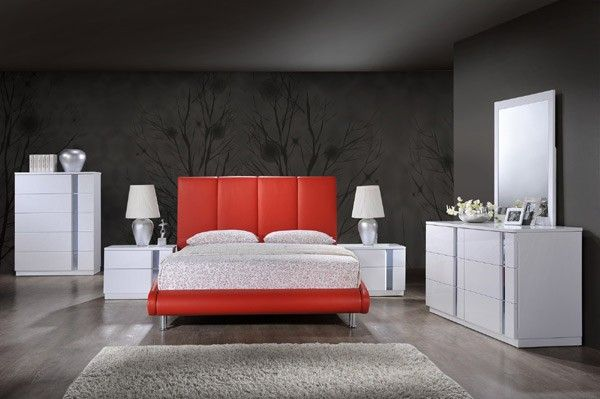 Global Furniture - Jody 3 Piece Eastern King Sleigh Bedroom Set in Red - 8272-R-EK-3SET