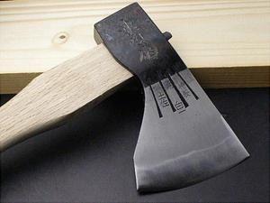 ◆本場土佐◆送料無料 火造り本鍛造「極上」天鋼白1号 銀杏刃型 斧750g