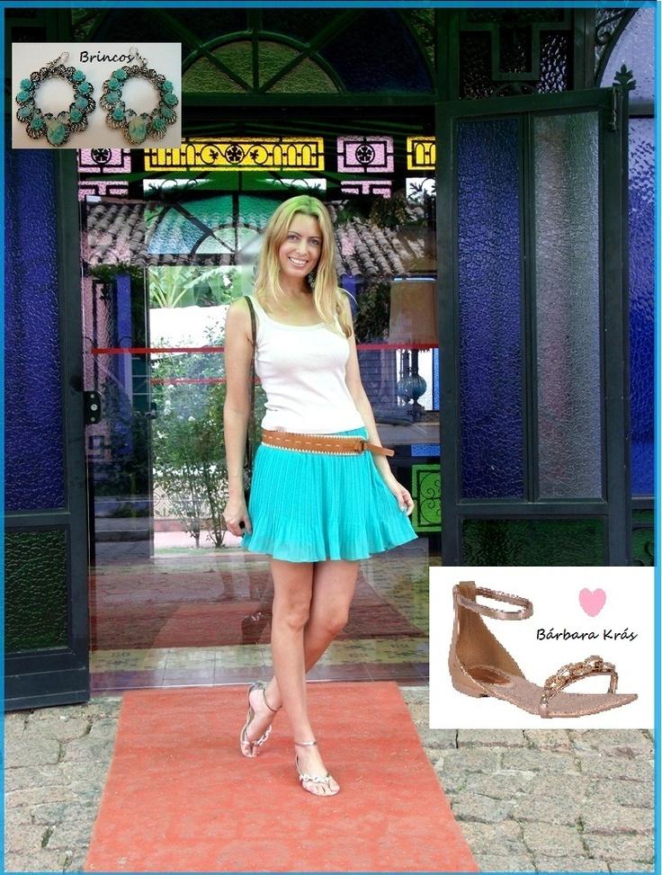 Look da Drika (http://www.fashiondrika.com/2013/02/fui-assim-saia-verde-menta-plissada.html) para passear na Lagoa da Conceição em Floripa, optou por uma saia plissada na cor menta, cinto largo, regata, maxibrincos e a rasteira platinum @barbarakras dourada, look leve para esses dias de muito calor!