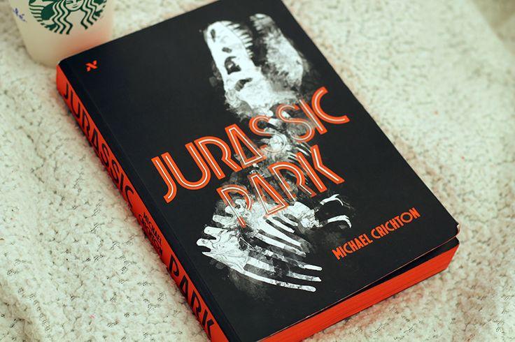 Cover do livro Jurassic Park pela editora Aleph.