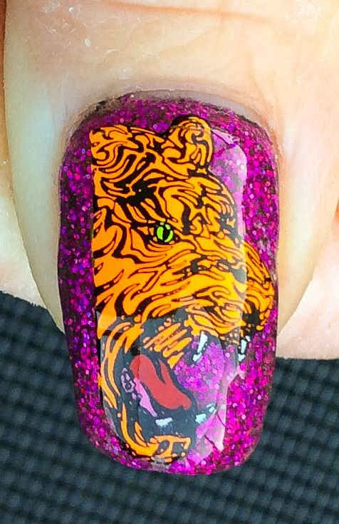 """Ed Hardy"" inspired Nail Art by ""Lorena Style""."