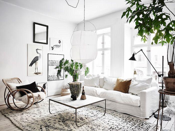 Skapa två rum i ett med hjälp av elegant tavelvägg
